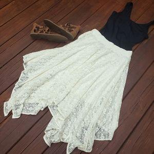 Arizona Jean Co Lace Maxi Skirt - Size 16 (EUC)